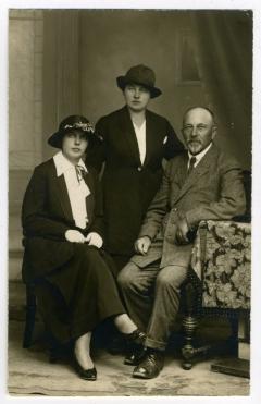 Su dukterimis Elze ir Ede