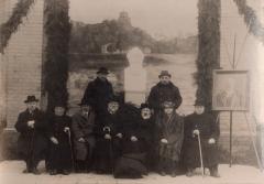 Aušrininkai prie dr. J.Basanavičiaus paminklo