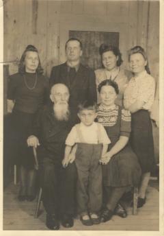 Martyno Jankaus šeima DP stovykloje Husume
