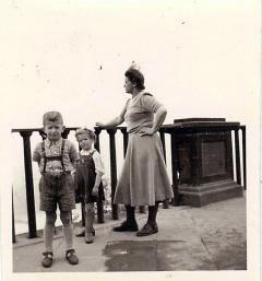 Liudvika Didžienė su vaikais